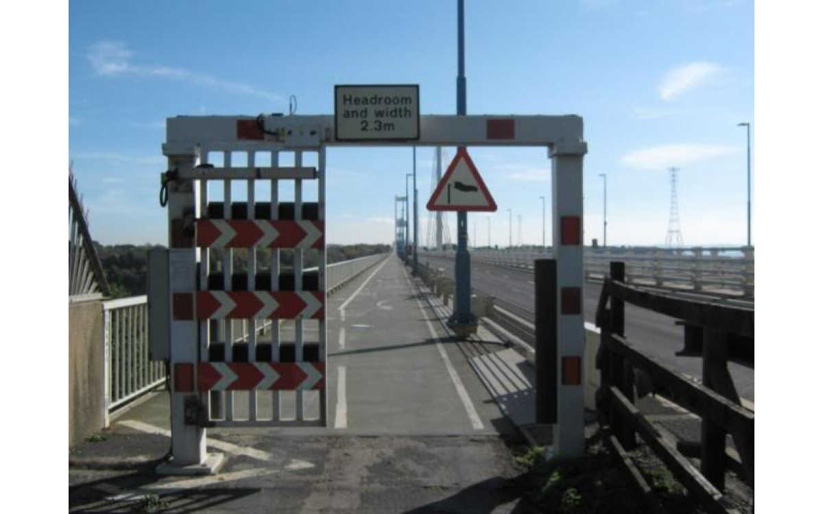 Cycle Crossing M48 Severn Bridge - Eastbound